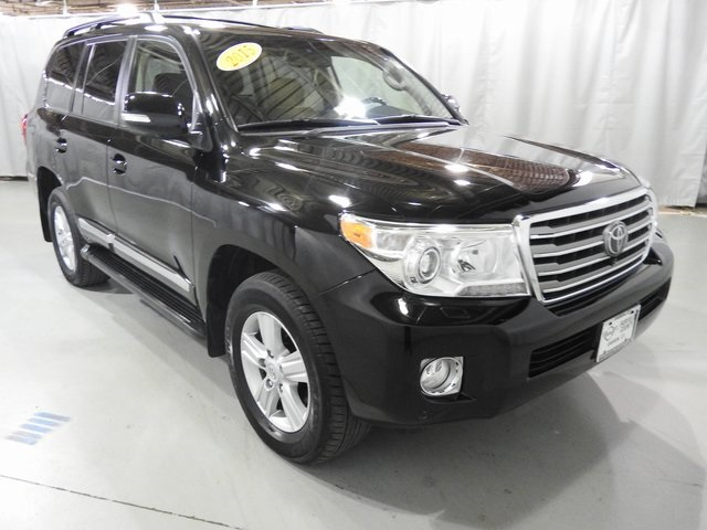 Pre-Owned 2015 Toyota Land Cruiser Base