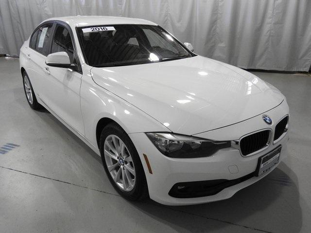 Pre-Owned 2016 BMW 3 Series 4dr Sdn 320i xDrive AWD